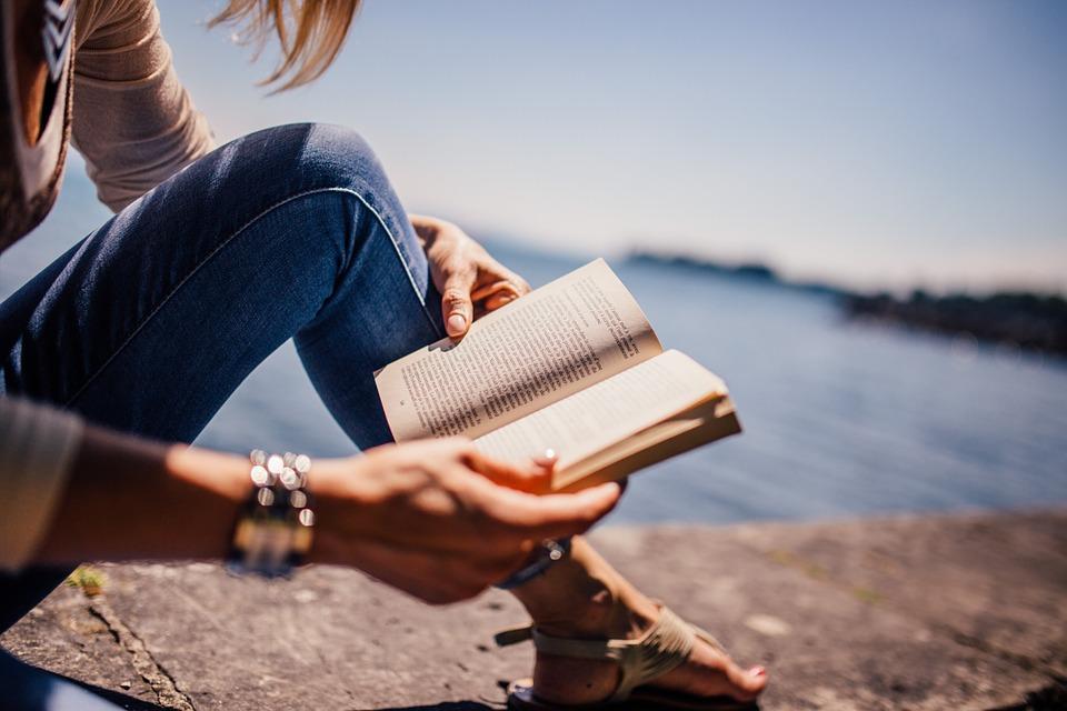 Reading Books_1