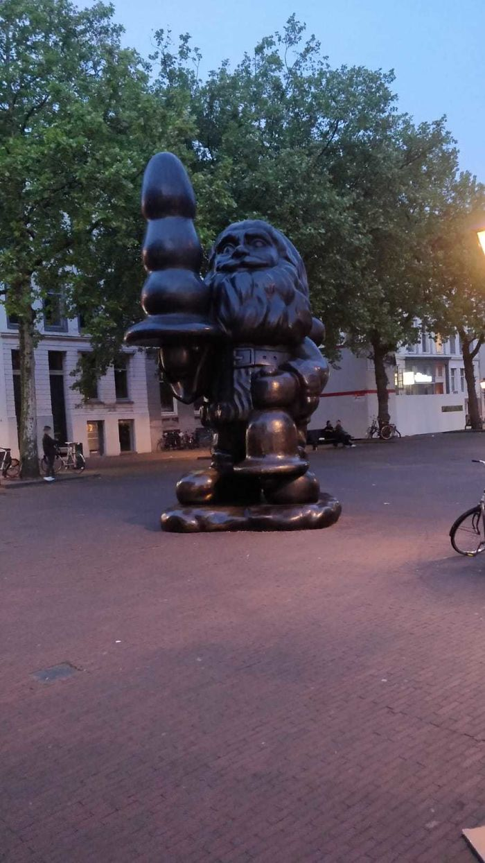 13. This Statue In Rotterdam Of Santa Claus. Mrs Claus Is In For A Surprise Tonight
