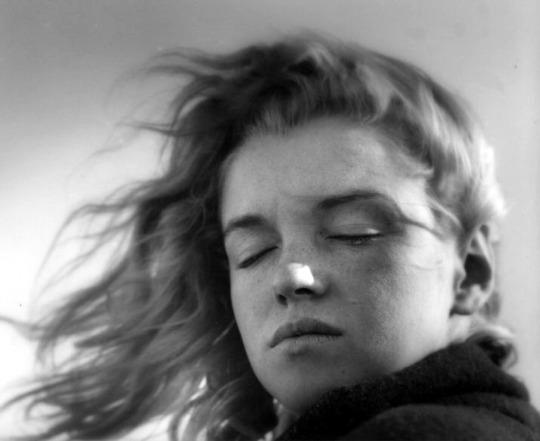 5. Marilyn-Monroe-by-Andre-de-Dienes