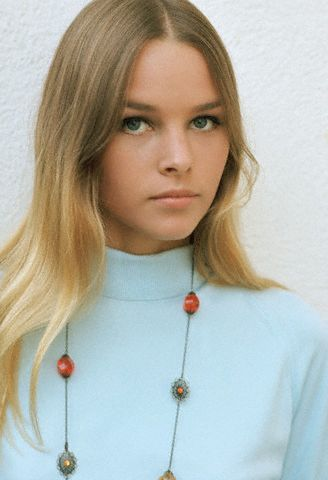Celebrities 7 Michelle-Phillips-ca.-1967-of-the-Mamas-and-the-Papas.
