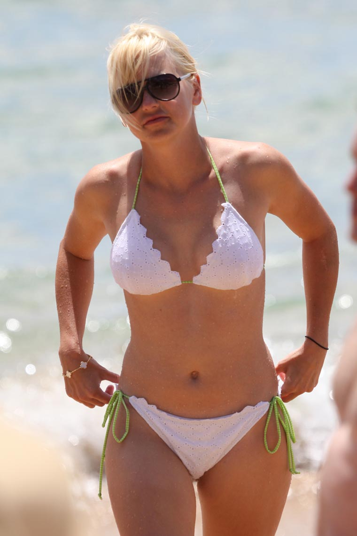anna_faris_bikini