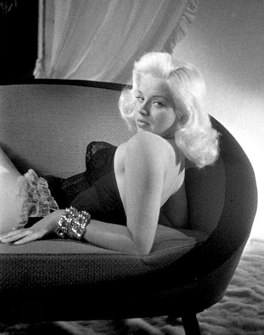 b1 Diana-Dors-in-the-1950s.