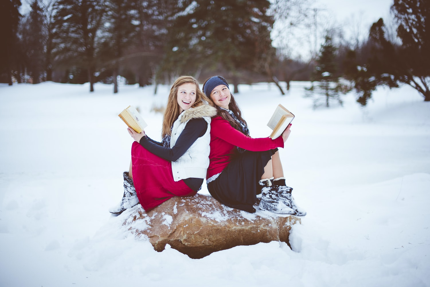 Read together - Mother-Daughters Activities